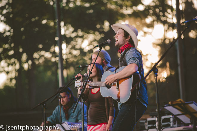 Del Barber live on Canada Day at The Forks (Photo: J. Senft Photography)