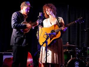 Jess Reimer with Jeremy Hamm at Folk Music Ontario (Photo: Manitoba Music)