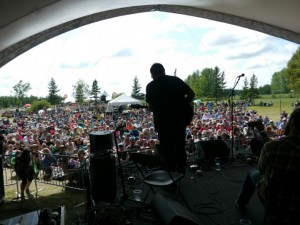 Manitoba artists workshop at the 2016 Winnipeg Folk Festival
